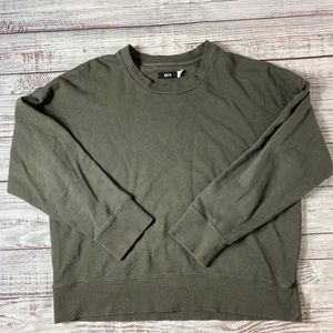 Urban Outfitters Vintage Olive Crew Neck